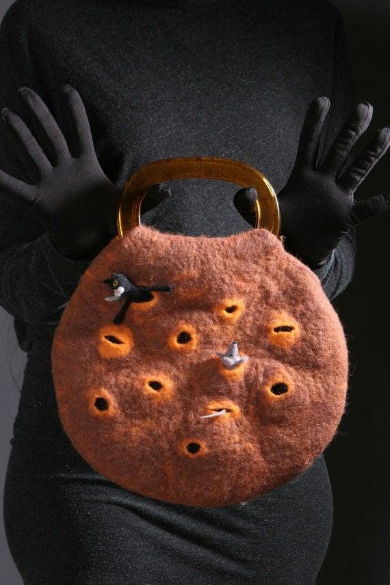Felt handbag  Whether there is a life on Mars