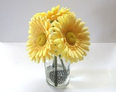 Floral Silk Arrangement 3 Gold Daisies In A Clear Glass Vase With Black Design