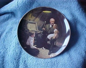 "Norman Rockwell Plate ""Grandpa's Treasure Chest"", Collectible China."