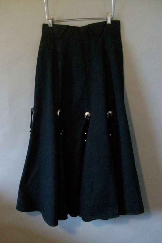 Black Circle T Western Womens Skirt With Conchos