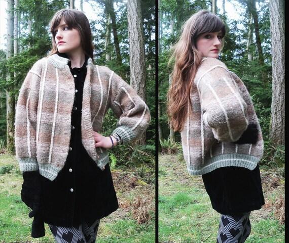 vtg HANDKNIT Soft Wool Granny Sweater Neutral CARDIGAN, Small
