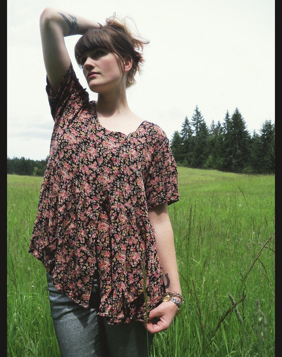 90s FLORAL BABYDOLL Boho Blouse, Tented Flowy TRAPEZE  fit