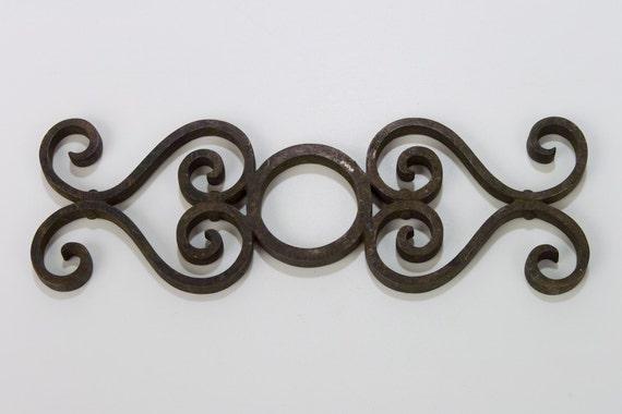 Vintage Metal Filigree Design