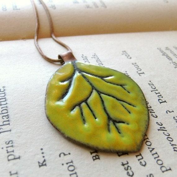 Aspen Leaf -- enameled pendant -- free chain