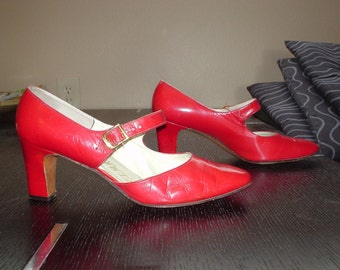 Red Leather Mod Mary Jane Shoes  6 1960s