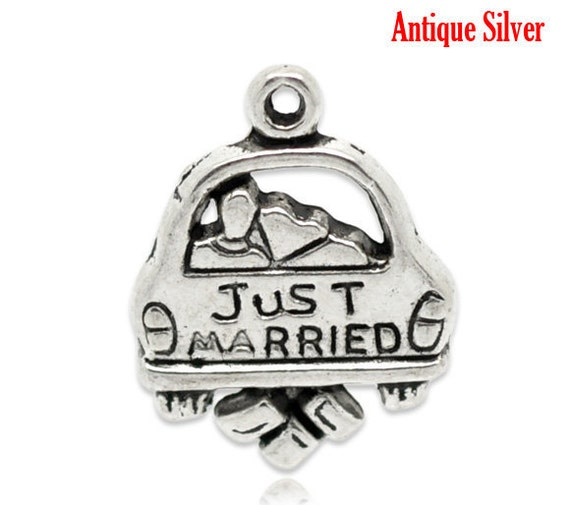 4 - Antique Silver JUST MARRIED Wedding Bridal Charm Pendants 20x16mm .  cake charms, party favors chs1674