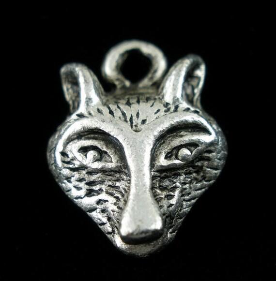 4 Silver Tone WOLF HEAD Charm Pendants 16x12mm. chs0817