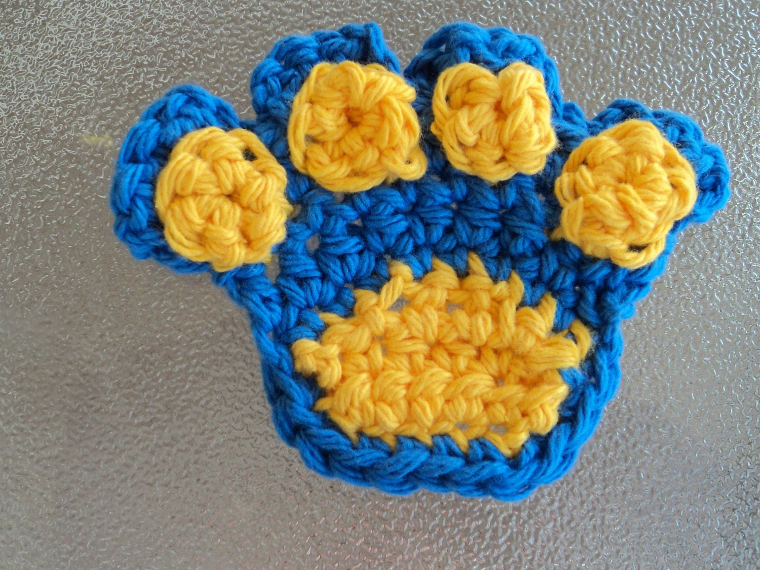 Free Crochet Pattern For Paw Print : CROCHET PATTERN Paw Print Applique by Tanyastangles on Etsy