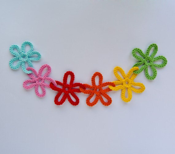 Garland of Colorful Flowers - PDF Crochet Pattern PHOTOTUTORIAL - Instant Download - Home Decor Crochet Garland Christmas Ornament