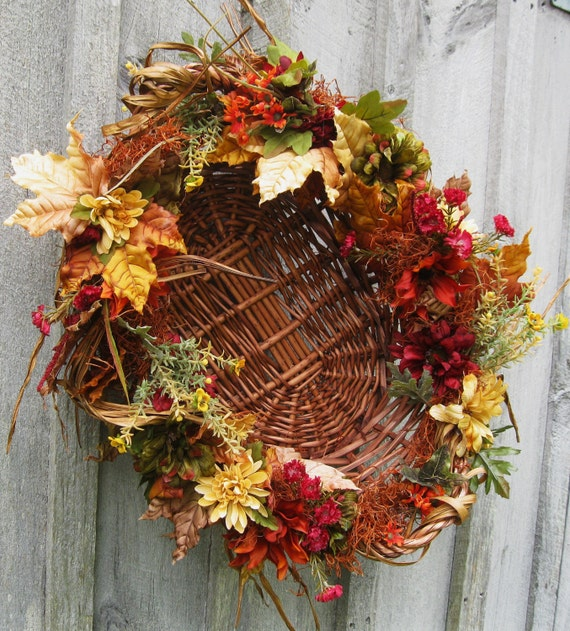 SALE, Fall Wreath, Autumn Centerpiece, Fall Country Basket, Cottage Chic, Wreath, Wall Decor, Oval Basket