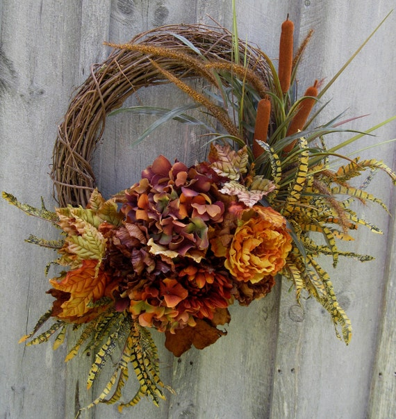 Autumn Wreaths, Fall Floral Wreath,  Hydrangea, Ferns, Leaves, Woodland Decor