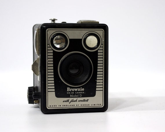 Vintage Camera, Kodak Brownie Six-20 Model D