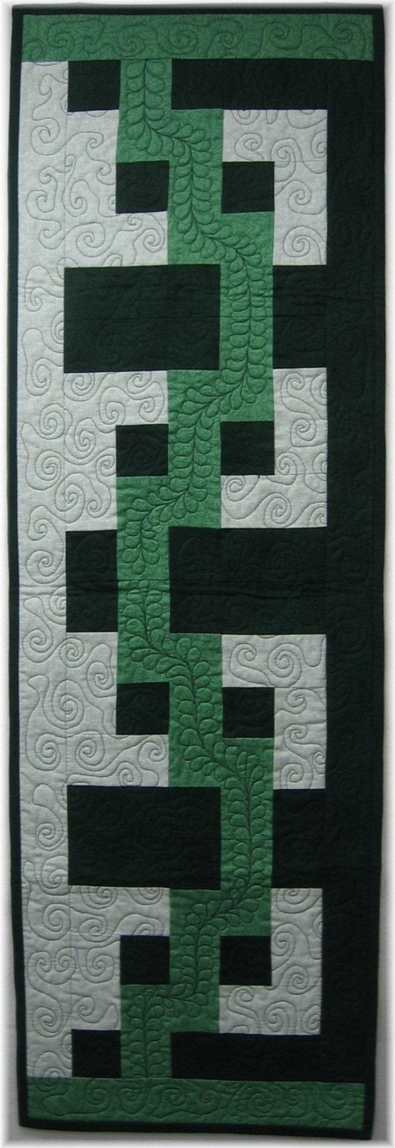 Quilt Pattern - Cross Roads Table Runner