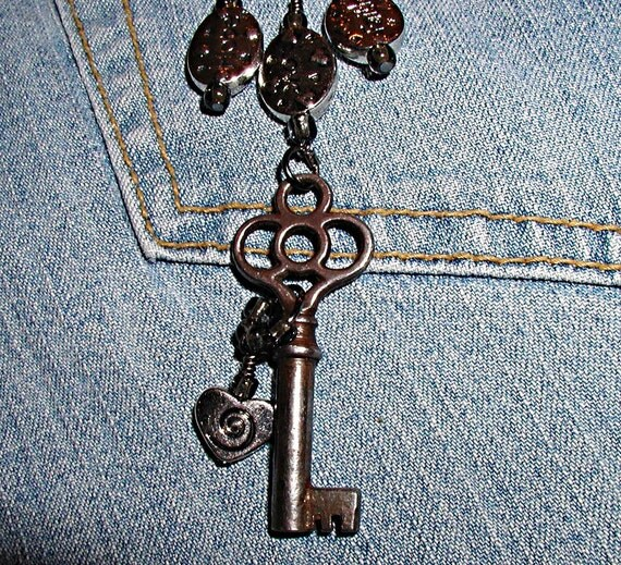 Key to My Heart Necklace Set Vintage Skeleton Key TierraCast Celtic Pewter- ET-SOA-KTMH-N