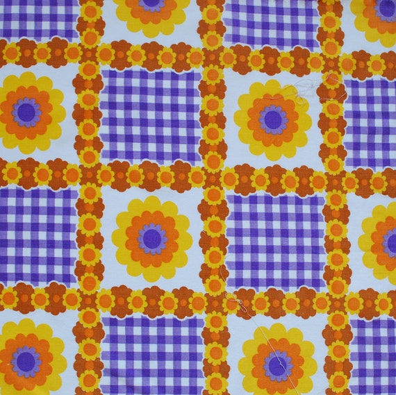 Vintage floral and gingham fabric FQ