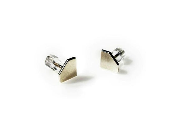 Small   Diamond Stud Earrings made of silver