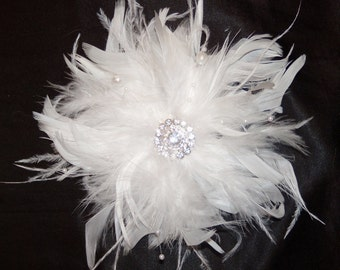 White or Ivory Ostrich Feather Bridal Clip - Vintage Style Fascinator Brooch Crystal & Pearls Spray Pouf Bride Wedding Hair Piece Large