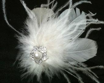 IVORY WHITE Vintage Style Ostrich Feather and Swarovski Crystal Fascinator Clip Wedding Bridal Brooch Bride Crystals Pearl Hair Piece Spray