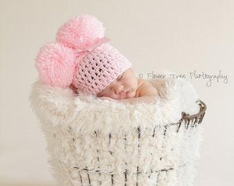 Newborn Pom Pom Hat, Newborn Photo Prop, Pink Pom Pom Hat, Girly Hat, Girl Photo Prop, Newborn Crochet Hat, Hat With Bow, Pink Infant Hat