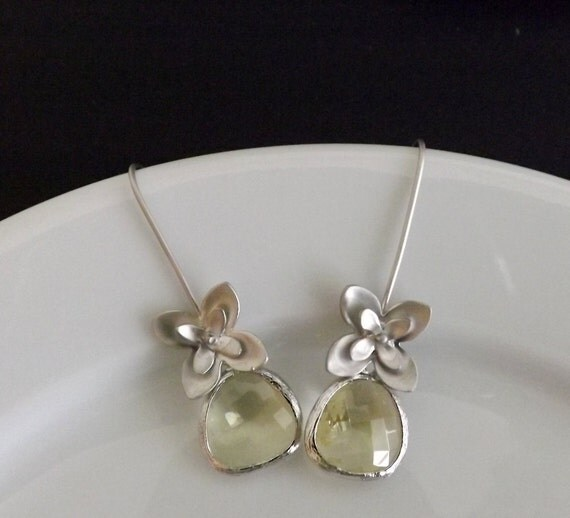 Silver Narcissus Flower Earrings with Jonquil Yellow Glass Briolettes - Gift - Bridal Jewelry - Wedding - Botanical - Garden