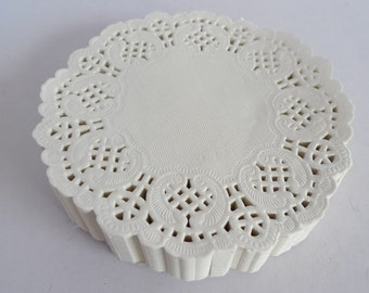 """100 French Lace Paper Doilies - Doily - 3.5"""" diameter - Cream Color"""