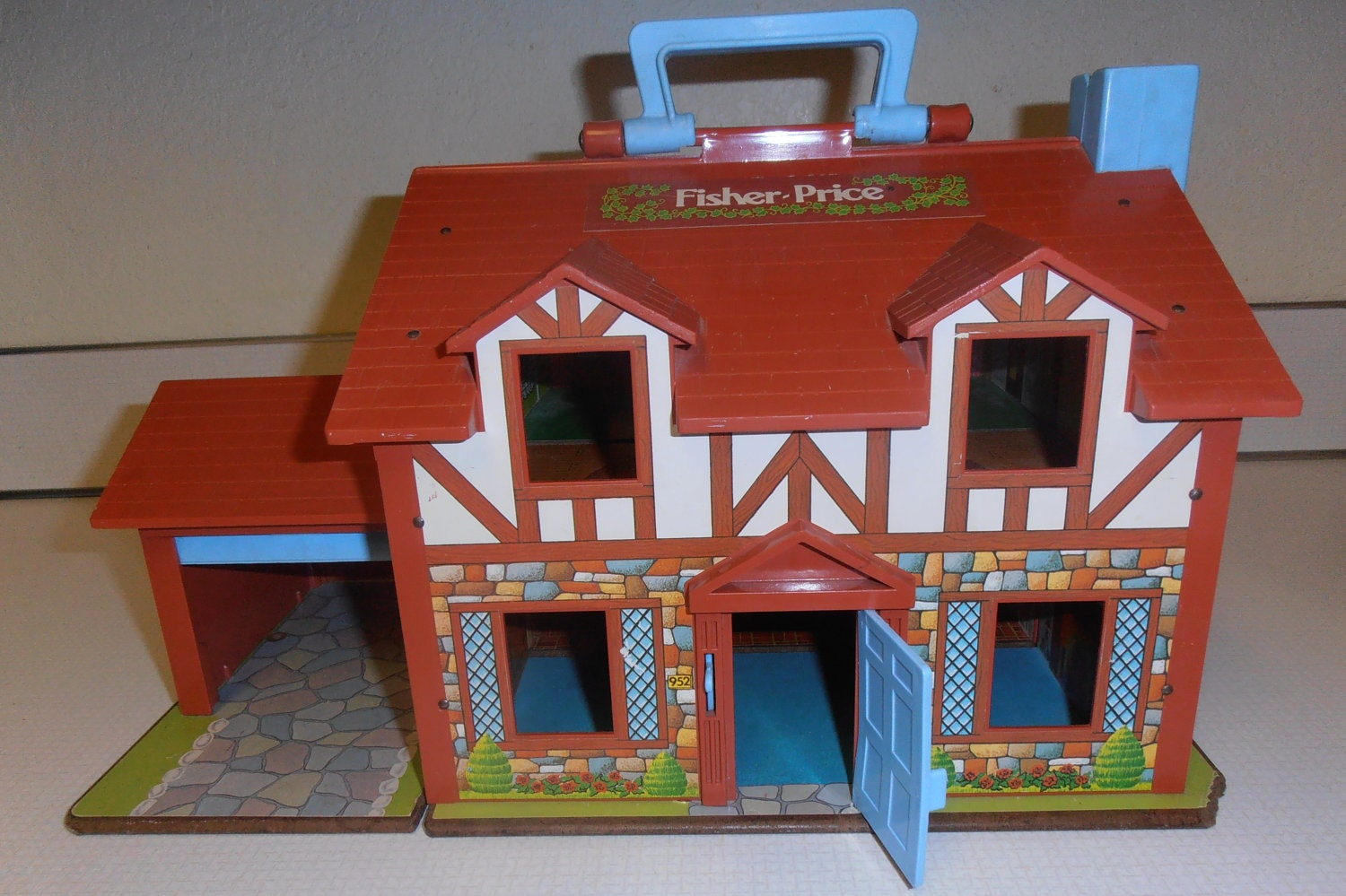 Little People Doll House Fisher Price Tudor House FP 952
