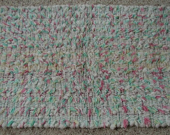 Handwoven Cotton Shaggy Looper Rug in Pastels (1122A)