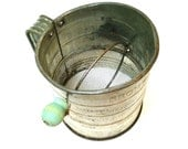 Vintage Bromwells 3 Cup Sifter with Green Wooden Handle.