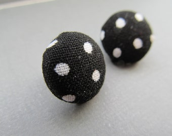 Pin up Polka Dot Stud Earrings black and white