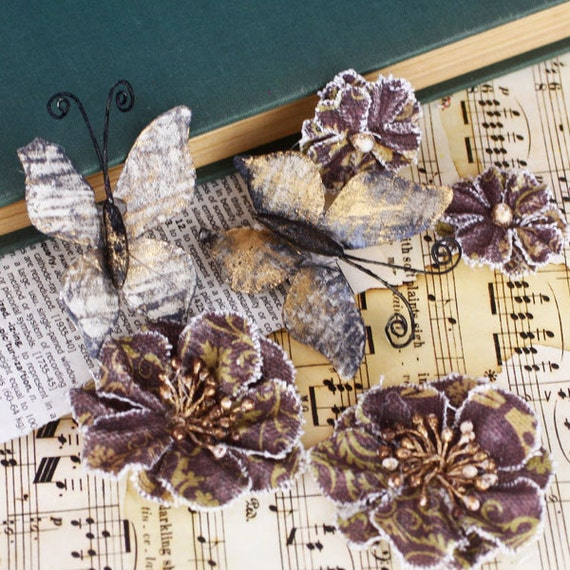 Fabric Flowers - Fabrique  - Coffee 557928 - A charming array of fabric flowers & butterflies in varying colors, styles and  patterns.