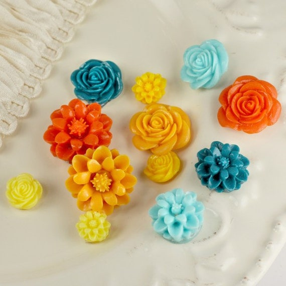 Resin Sculpture Flowers cabochon - 12 pieces from 8mm to  22mm - matte finish - orange teal aqua yellow