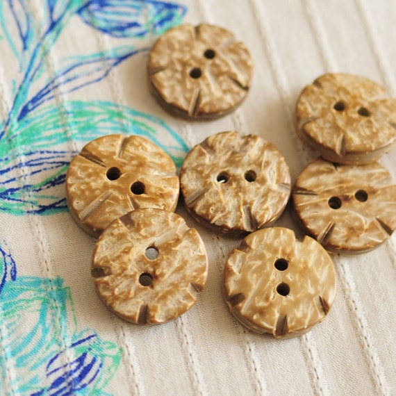 Coconut Shell Buttons Natural Solid Round Wheel Shape (7 pieces)
