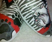Price includes shoes. Georgia Bulldogs hand painted TOMS.