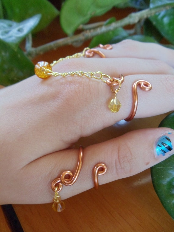 Amber Colored Ancient Triple Ring Chain