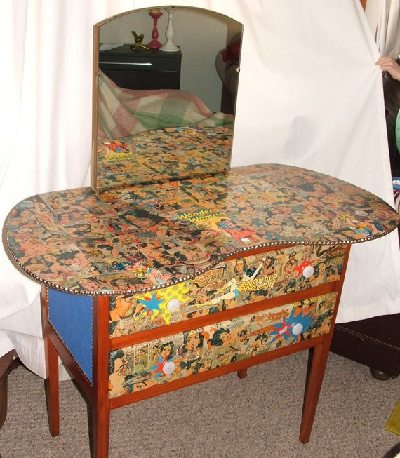 WONDER WOMAN Comic Decoupage 1960s ViNtAgE Upcylced CURVED Oak Wood Dressing Table/Drawers/Dresser