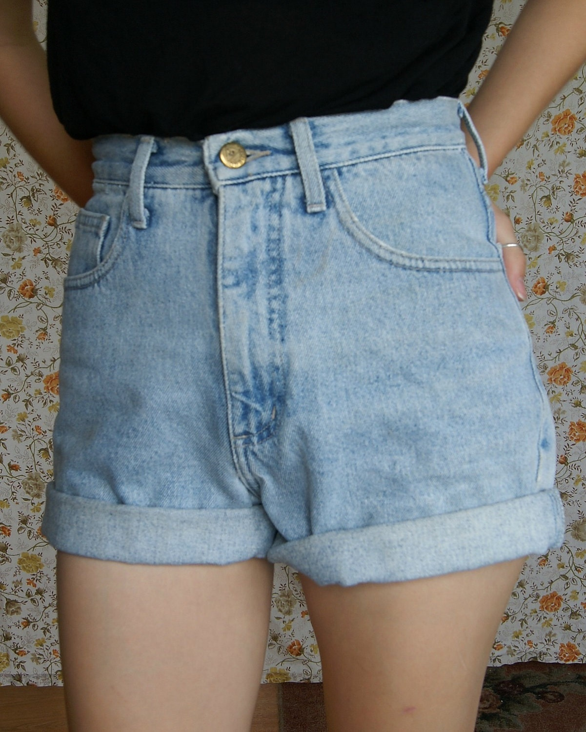 Light Wash Guess Jeans Vintage High Waisted Shorts Made in
