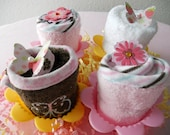 Just Baked- Washcloth Cupcake Set With 4 Silicone Baking Cups