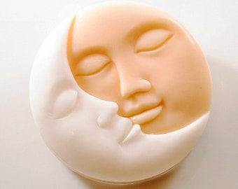 Art Soap - Kiss The Moon Soap