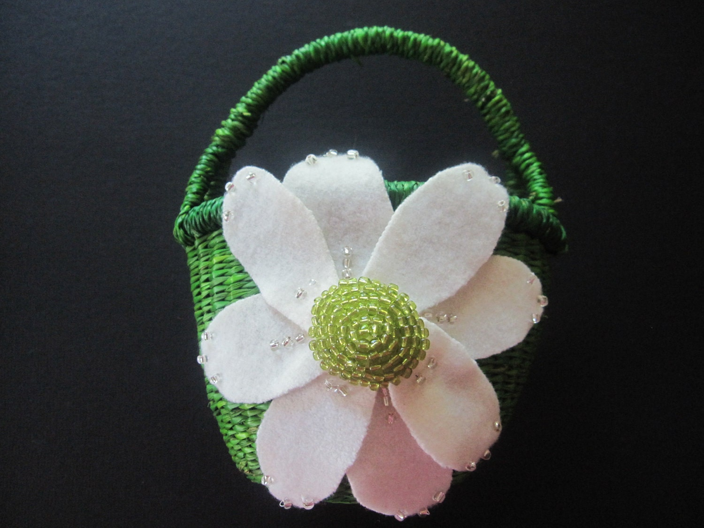 Flower Girl Baskets Green : Chandeliers pendant lights