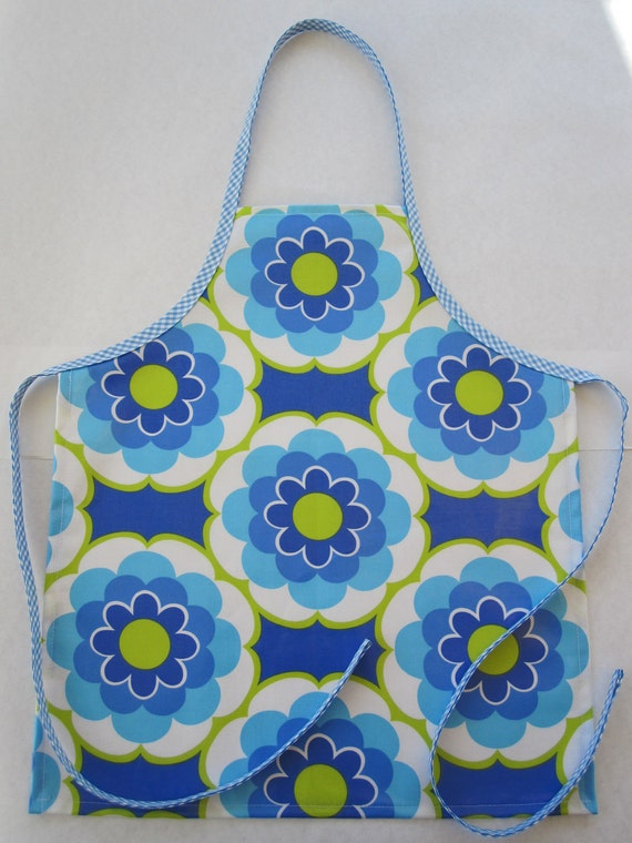 Laminated Apron/Girl/Sunny Daze in Blue Flowers/Size Small (3-6 years)