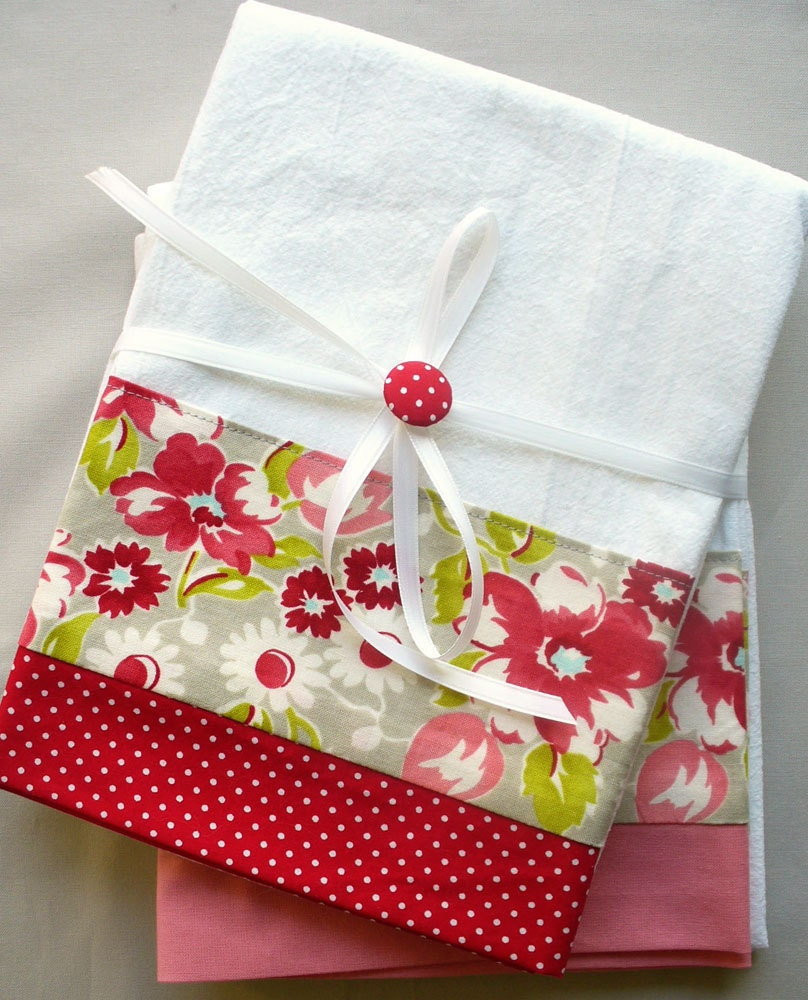 Kitchen Towels: Kitchen Towels With Red And Gray Floral Pattern Cotton Fabric