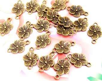 30Beads--- Charm 2Loops Five Petaled Flower Pendant Bronze Plated Brass Filigree Findings Metal Pendant Earwire Beads 11mmx17mm 3G