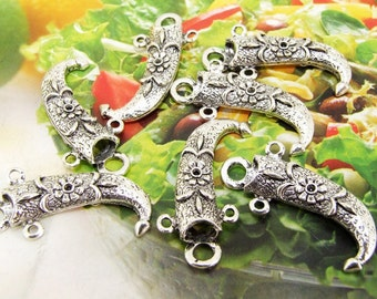 15 Beads--- Charm Sheath Knife Pendant  Link  Beads Silver Plated Filigree Findings Metal Connector Link Beads 12mmx30mm 3H