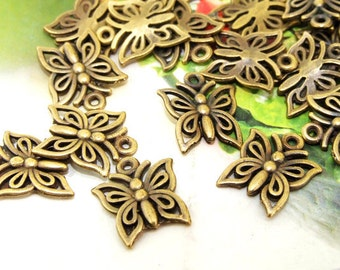 30Beads--- Charm butterfly pendant Base Bronze Plated Brass Filigree Findings Metal Pendant  Beads 12mmx15mm 3B