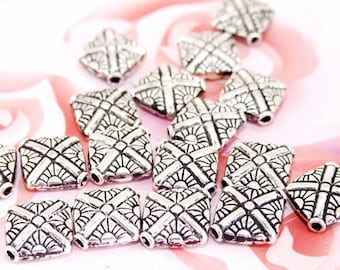 15Beads Lots Charm Filigree square metal  Fitting Beads Silver Plated Filigree Metal 10mmx12mm ------35D
