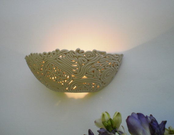 Lace boat, Wall lamp