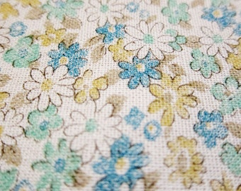 SALE - Aqua and blue daisies, fat quarter, pure cotton fabric