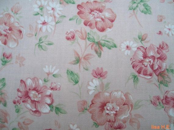 SALE - Burgundy flower and white daisies, large remnant, pure cotton fabric