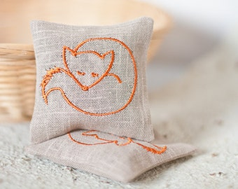 Handmade Lavender Sachets Lavender Pillow Set of Two Sachets Embroidered Decor Embroidered Linen Cushions Embroidered Scented Sachet FOXY