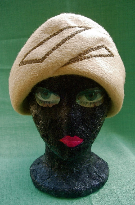 SALE - 1940's Turban Style Hat with Geometric Embroidery